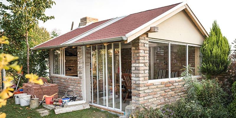 Posuvný rámový systém zasklievania terás a balkónov